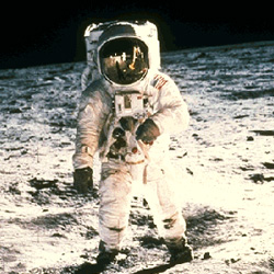 neil armstrong first man on the moon - photo #13